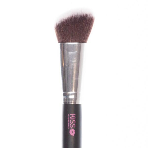 Kiss Makeup Brush – #7 Angled Contour